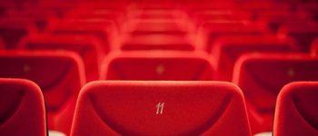 ثبت قرارداد دو فیلم ، بلاتکلیفی پخش فوتبال در سینما